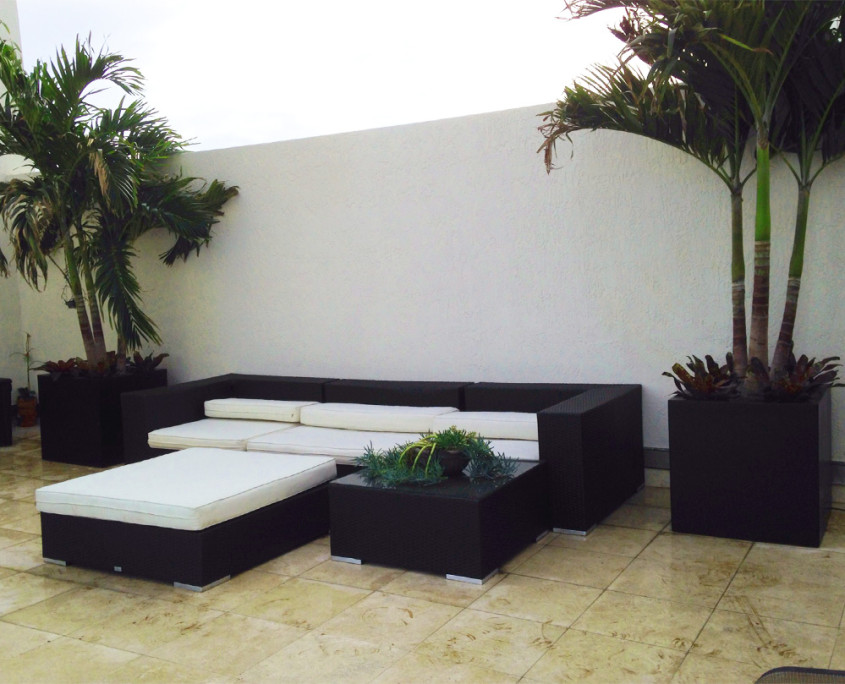 exterior-landscaping-poolside-gallery